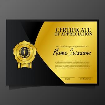 Certificato di bellezza con accenti dorati e medaglia di spillo