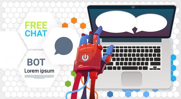 Chat bot mani utilizzando computer portatile, robot di assistenza virtuale del sito web o applicazioni mobili, ar