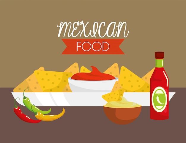 Cibo messicano con salse e peperoncino