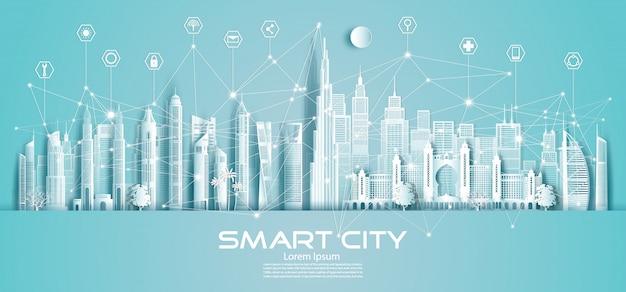 Città e icona astute di comunicazione della rete di tecnologia wireless negli emirati arabi uniti e nel centro.