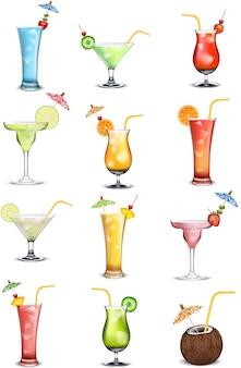 Cocktail morbido e long drink davanti a sfondo bianco