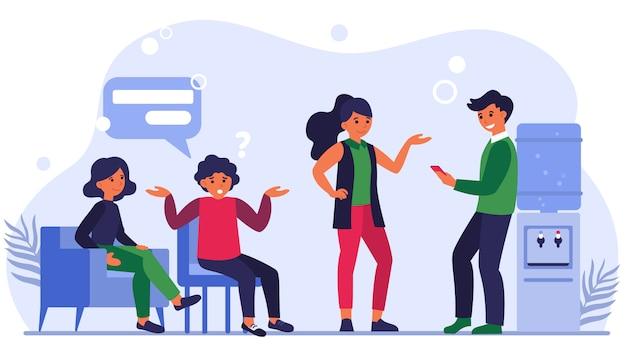 Colleghi che comunicano alla pausa