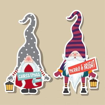 Collezione di adesivi natalizi con simpatici gnomi e auguri. design piatto