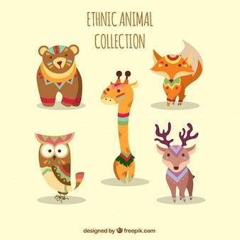 Collezione di animali etnici con ornamenti