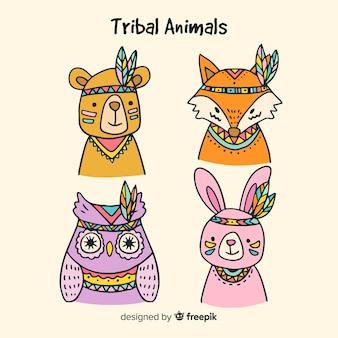 Collezione di animali tribali disegnati a mano