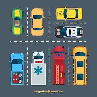 Collezione di auto piatta sul parcheggio