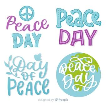 Collezione di badge giorno della pace disegnata a mano