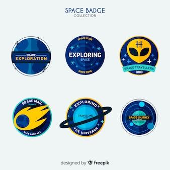 Collezione di badge spazio colorato con design piatto