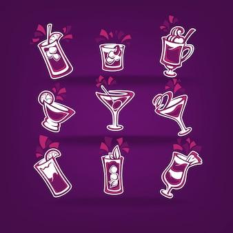 Collezione di cocktail per il menu della tua festa su viola scuro