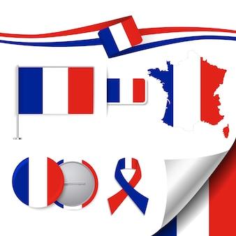 Collezione di elementi di cancelleria con la bandiera della francia design
