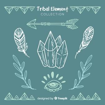 Collezione di elementi tribali disegnati a mano
