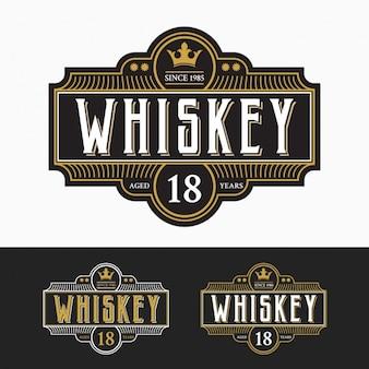 Collezione di etichette di whisky
