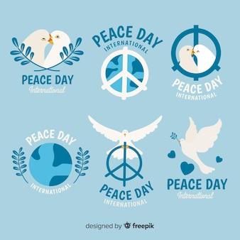 Collezione di etichette disegnate a mano giorno della pace
