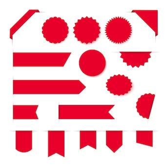 Collezione di etichette ed etichette in bianco del nastro rosso