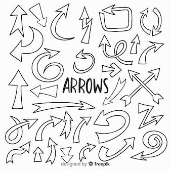 Collezione di frecce decorative disegnate a mano