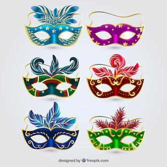 Collezione di maschere di carnevale di sei