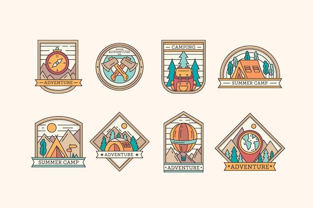 Collezione di modelli vintage di badge per campeggio e avventure
