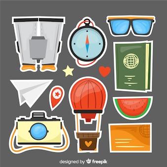Collezione di oggetti da viaggio disegnata a mano