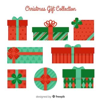 Collezione di regali di natale colorato con design piatto