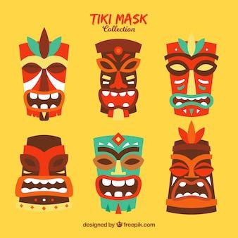 Collezione tradizionale di maschere tribali