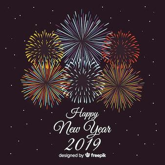 Composizione del nuovo anno 2019 con fuochi d'artificio