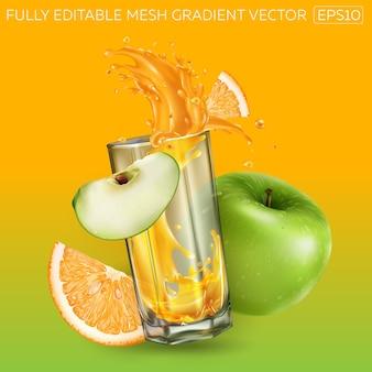 Composizione di mela verde, arancia e un bicchiere con una spruzzata dinamica di succo di frutta.