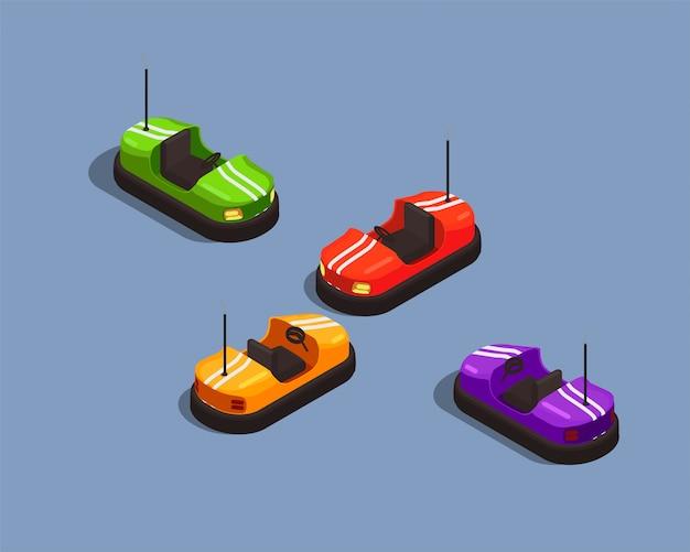 Composizione isometrica con quattro automobili di urto variopinte in parco di divertimenti 3d isolato