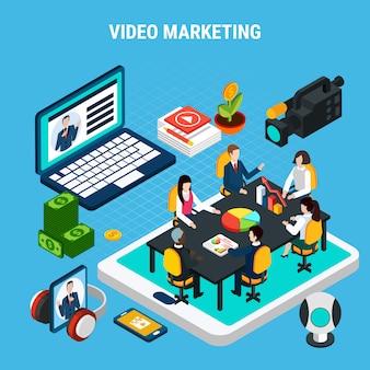 Composizione isometrica video foto con elementi della riunione del team di marketing sulla parte superiore dello schermo del tablet