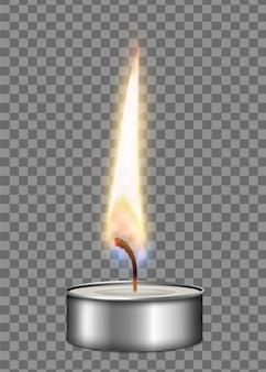 Composizione realistica colorata nella luce del fuoco della fiamma della cassa del metallo della candela sull'illustrazione trasparente del fondo