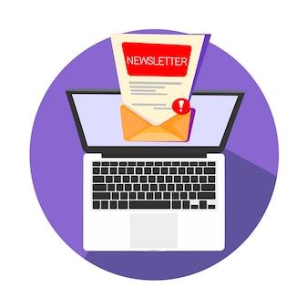 Computer portatile con una nuova lettera nella posta in arrivo aperta per leggere o inviare ad altre cassette postali.