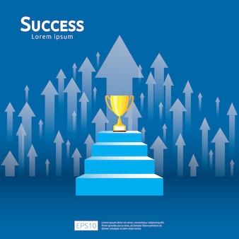 Concetto di affari con la scala e la tazza del trofeo. direzione della freccia verso il vincitore del successo