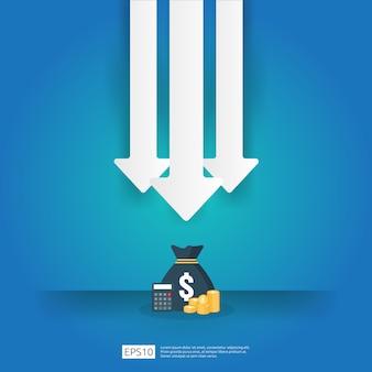 Concetto di crisi aziendale. i soldi cadono con il simbolo di riduzione freccia. economia che allunga calo in aumento, fallimento globale perso. riduzione decrescente dei costi o perdita di reddito con le monete da un mucchio di pile in pila