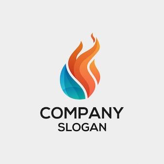 Concetto di logo di fiamma acqua