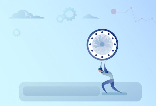 Concetto di scadenza della gestione di tempo di orologio della tenuta dell'uomo di affari