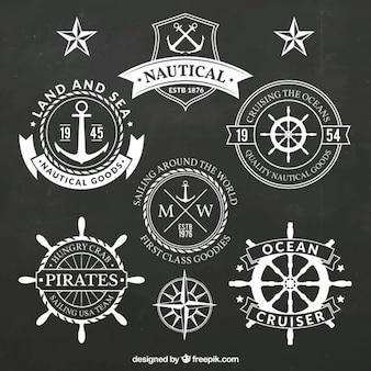 Confezione da diverse badge salor in colore bianco
