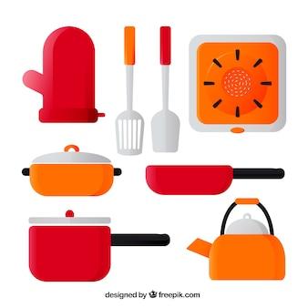Confezione di pentole e altri utensili da cucina