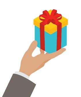 Confezione regalo piccola in mano di un uomo