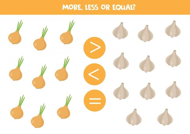 Confronto di numeri per bambini. gioco di matematica con cipolla e aglio.