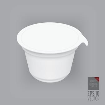 Contenitore di yogurt isolato