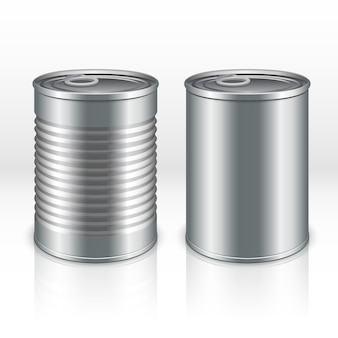 Contenitore vuoto dei prodotti metallici, barattoli di latta isolati su fondo a quadretti trasparente