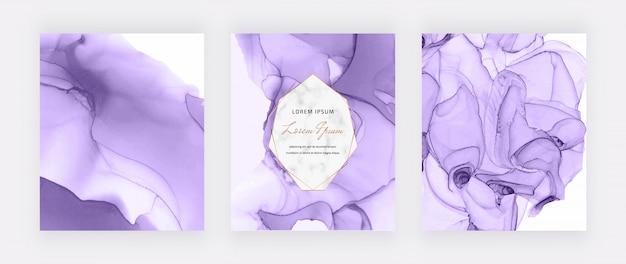 Copertine con design a inchiostro di alcol viola e cornice geometrica in marmo. fondo dipinto a mano astratto.