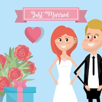 Coppia sposata con fiori e disegno del nastro