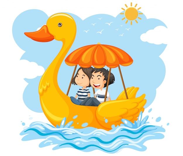 Coppia su una barca di anatra