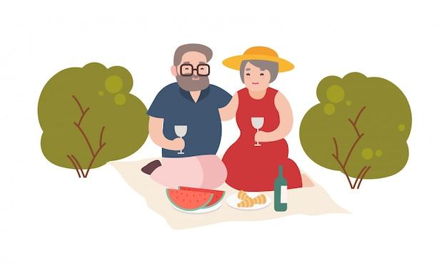 Coppie anziane felici cenando romantico all'aperto su fondo bianco.