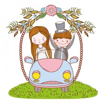 Coppie di cerimonia nuziale sul fumetto sveglio dell'automobile