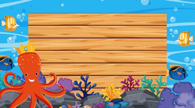 Cornice con scena subacquea in background