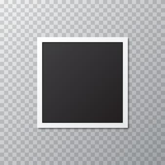 Cornice per foto realistica in bianco con ombra su un trasparente