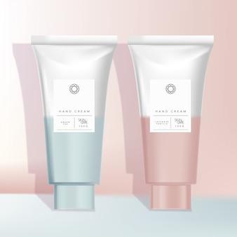 Cosmetici rosa e azzurri o tubi sanitari confezionati con design a sfumatura minima hipster