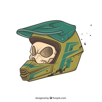 Cranio con casco motociclista