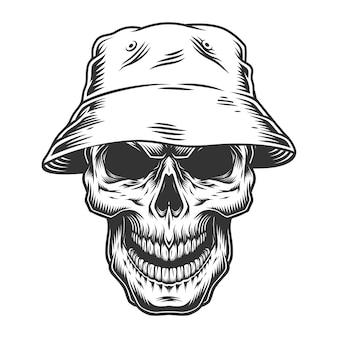 Cranio nel cappello panama